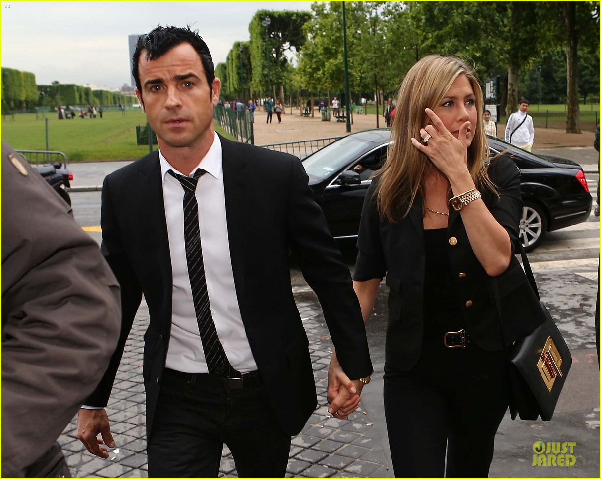 Jennifer Aniston And Justin Theroux Dine At Famous Eiffel Tower Restaurant